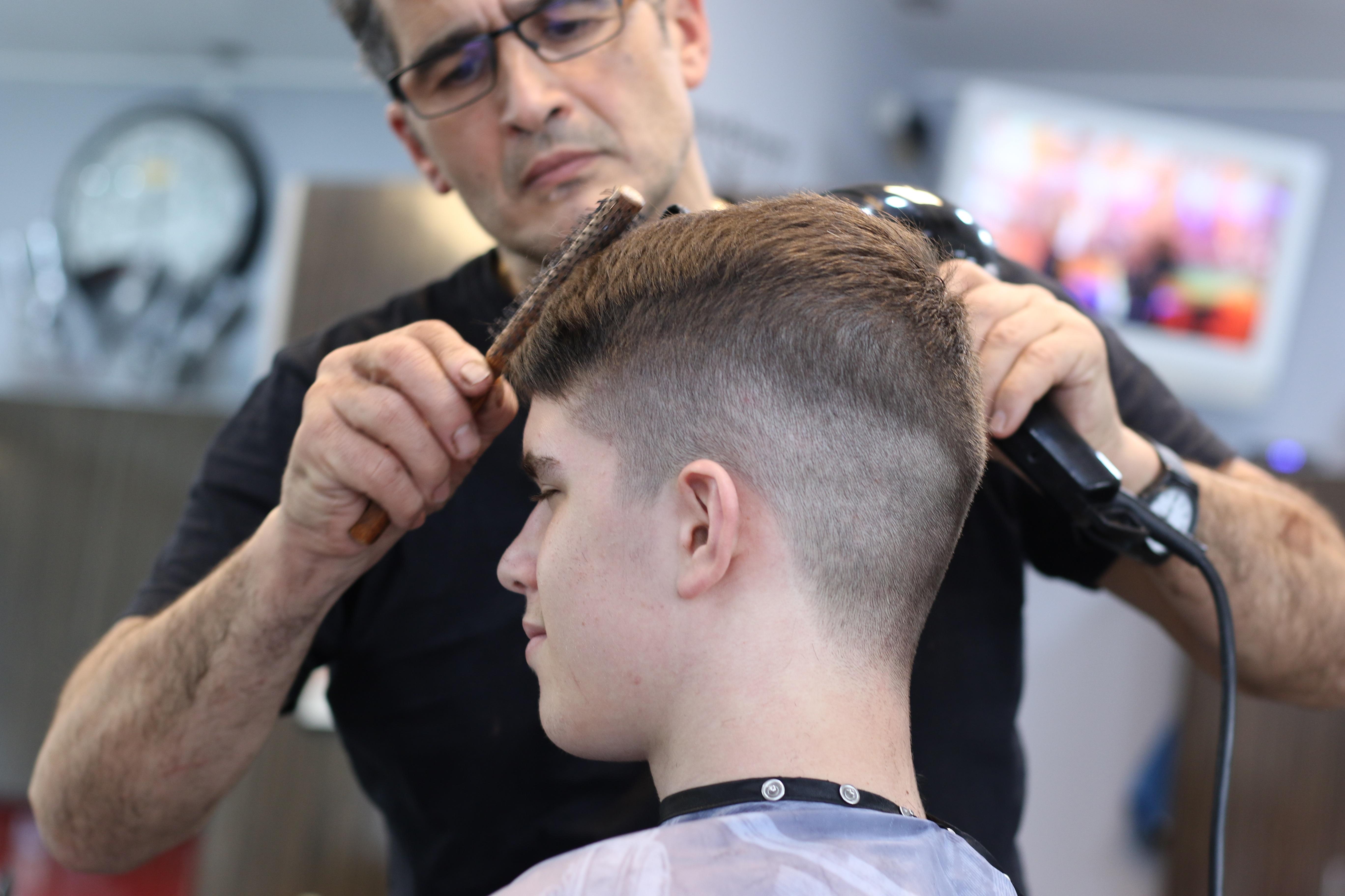haircut-4019676